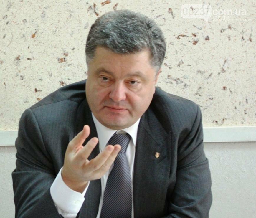 Сын Порошенко оценил три года президентства своего отца, фото-1