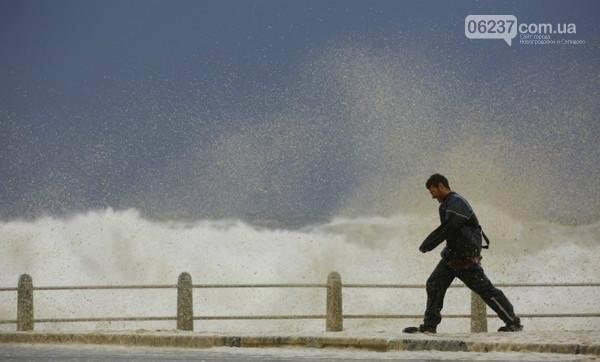 Самый сильный за последние 30 лет шторм в Кейптауне, фото-1