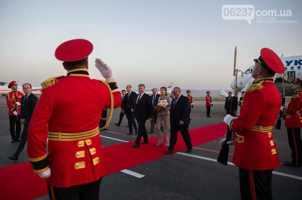 Порошенко прибыл с государственным визитом в Грузию, фото-1