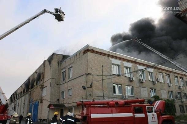 В Харькове горело производственное здание, фото-3