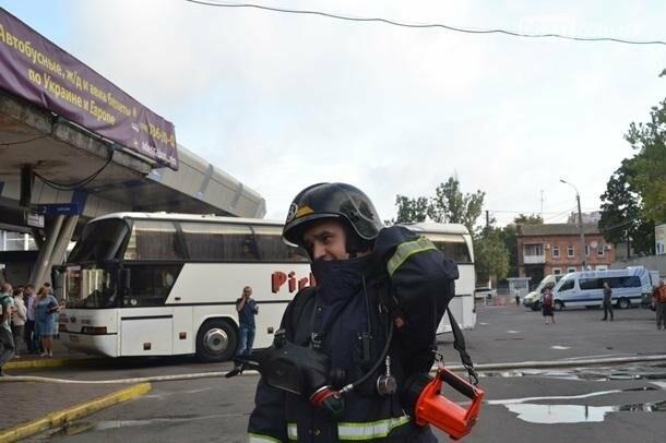В Одессе горел центральный автовокзал, фото-2