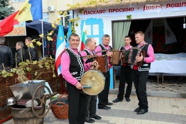 В Болграде Одесской области состоялся международный винный фестиваль, фото-8
