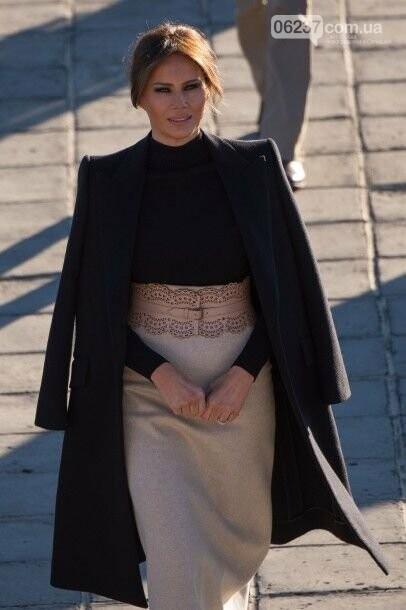 Мелания Трамп в стильном наряде побывала в зоопарке, фото-1