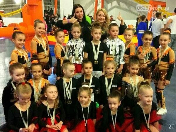 Черлидеры из Покровска заняли второе место на Кубке Украины, фото-2