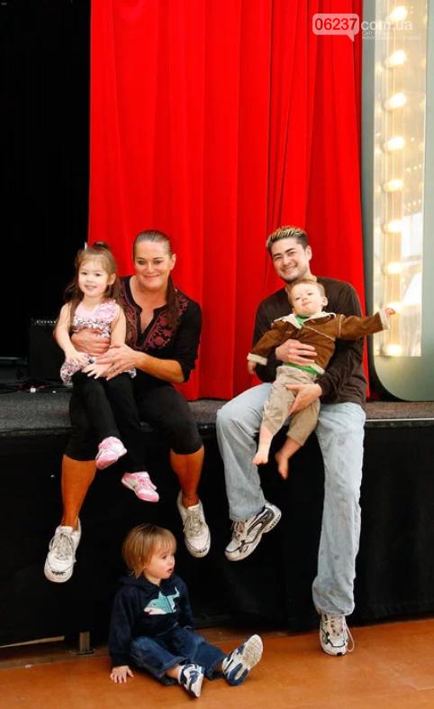 Первый в мире беременный мужчина вновь женился и хочет ребенка, фото-1