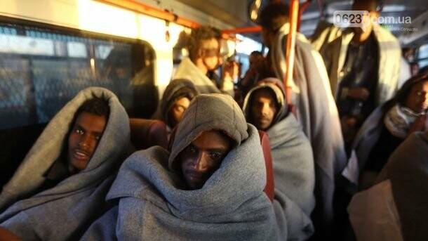 У берегов Ливии спасли более 300 мигрантов, фото-1