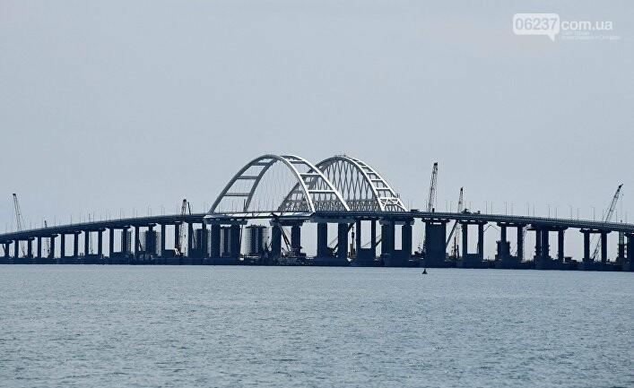 Крымский мост начал отделяться отКрыма, фото-1