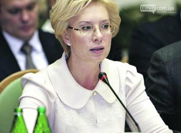 Дело об избиении школьницы в Одессе взяла под личный контроль Денисова, фото-1