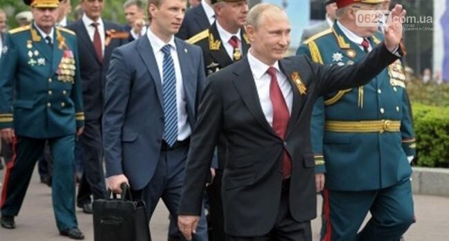 """В сети обсудили «новую» внешность Путина, прибывшего в Севастополь. Говорят, что приехал """"двойник"""", фото-1"""