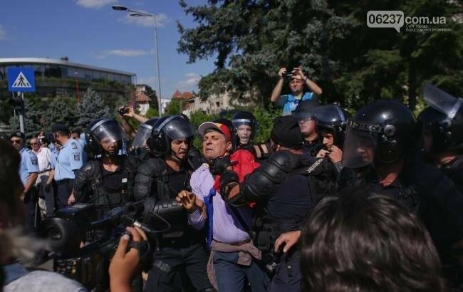 Протесты в Румынии: при разгоне пострадали более 400 демонстрантов, фото-1