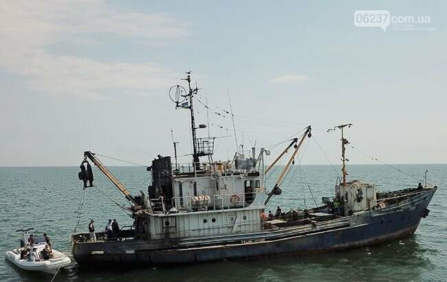 Полиция пресекла деятельность предприятий, незаконно вылавливающих рыбу в Азовском море, фото-1