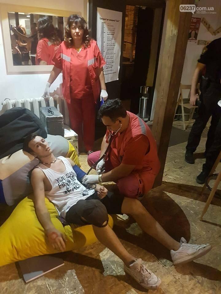 В Мариуполе избили активистов (ФОТО), фото-1