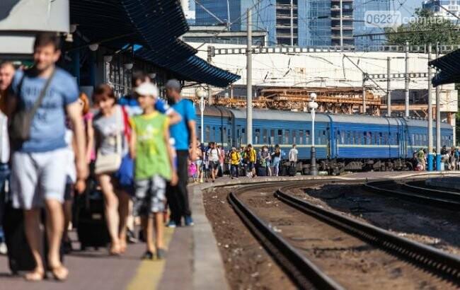 Железнодорожный дефицит: почему пассажирам в Украине не хватает билетов на поезда, фото-1