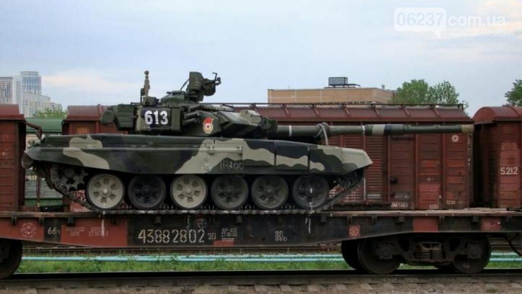 В «ЛНР» едва справляются с разгрузкой прибывающей техники и ждут приказа о наступлении, фото-1
