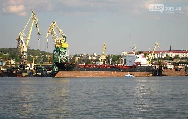 В Крыму пограничники ФСБ РФ задержали украинское судно, фото-1