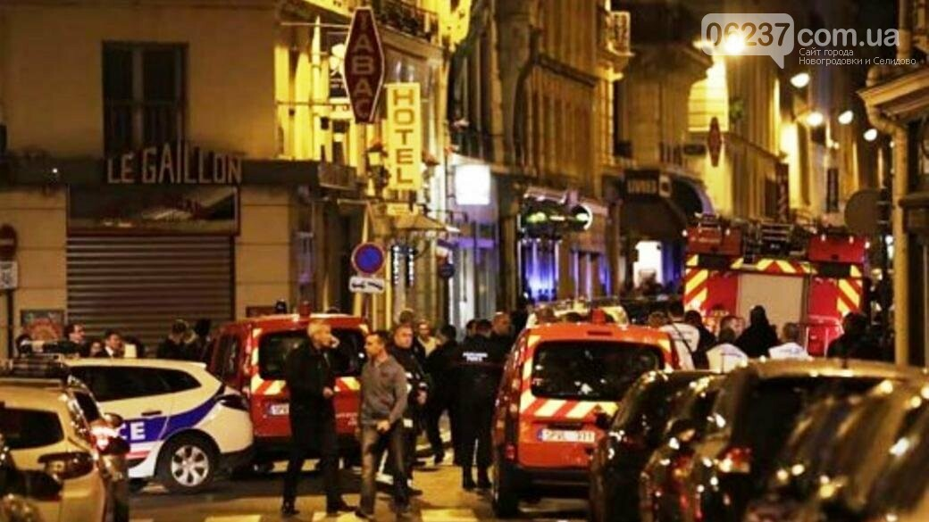 В Париже мужчина напал с ножом на прохожих: семь пострадавших, фото-1