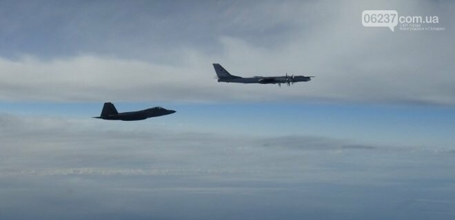 Истребители США перехватили два российских Ту-95 вблизи Аляски, фото-1