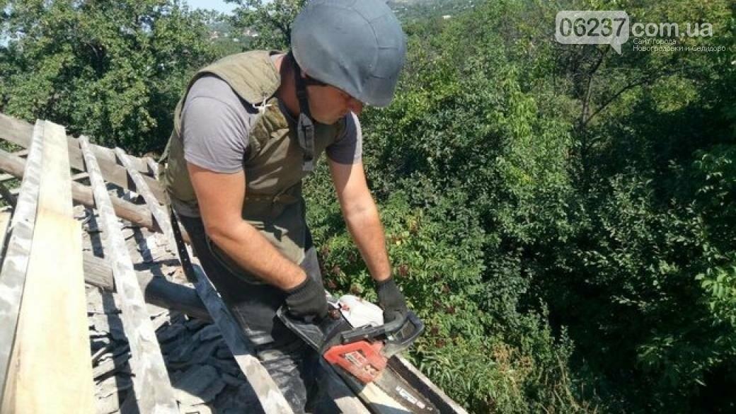 В Авдеевке воины ООС восстанавливают жилые дома, фото-1