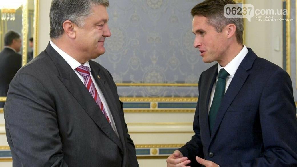 Порошенко обсудил с Уильямсоном военное сотрудничество, фото-1