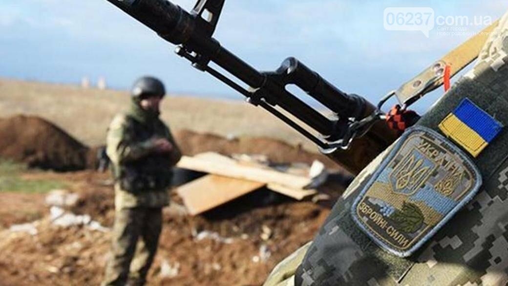 За минувшие сутки в зоне ООС ранены 7 окупантов, фото-1