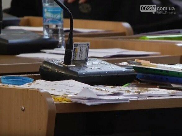 В горсовете Николаева депутата облили нечистотами, фото-1