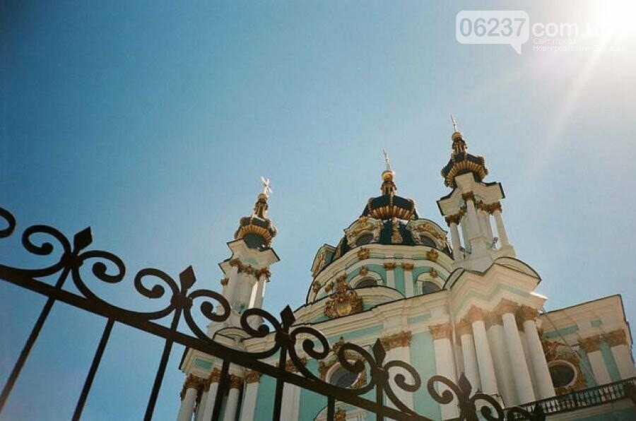 В Андреевской церкви прошла первая служба Вселенского патриархата, фото-1