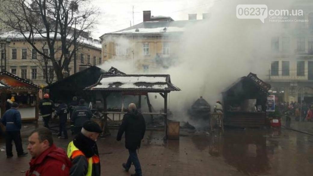 Во Львове на рождественской ярмарке произошел взрыв: пострадали люди, фото-1