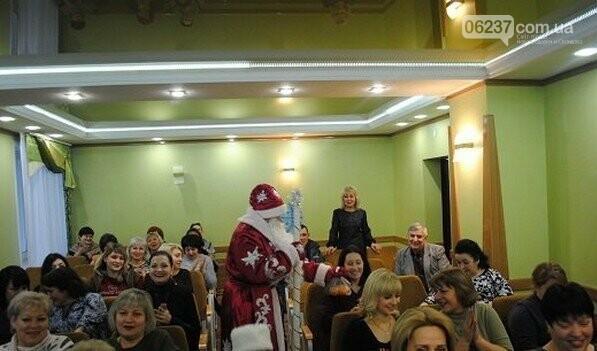 В Новогродовке на аппаратное совещание при городском голове пришел Дед Мороз, фото-4