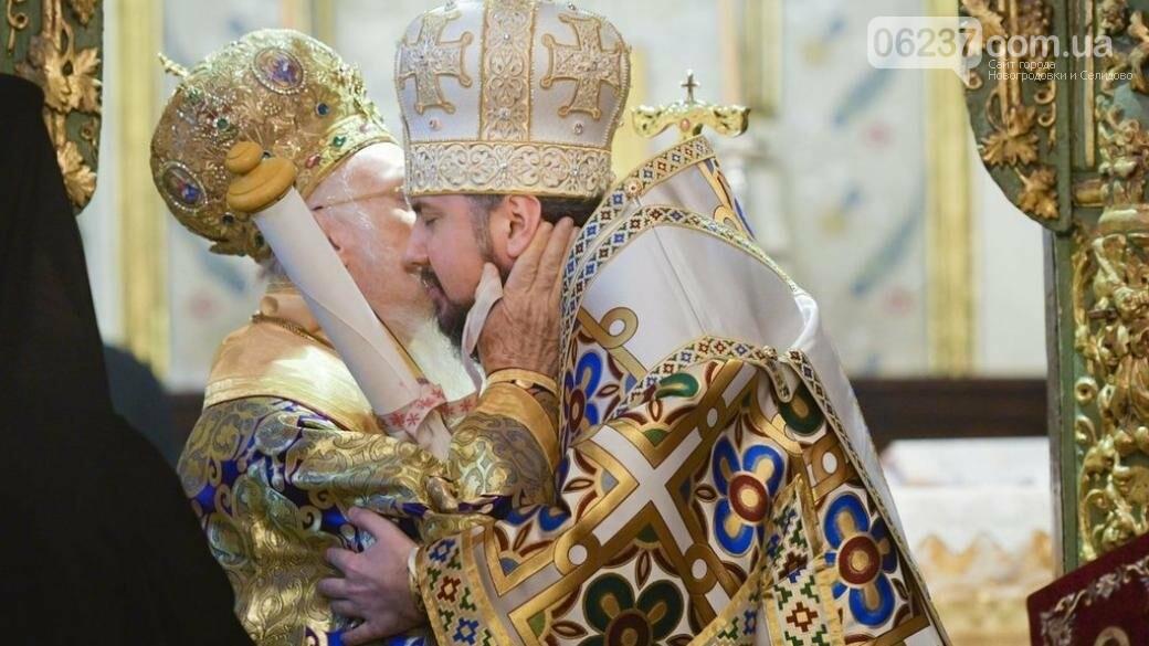 В храме Святой Софии проходит рождественская литургия с представлением Томоса, фото-1