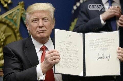 Трамп заявил, что имеет полномочия ввести чрезвычайное положение в США, фото-1