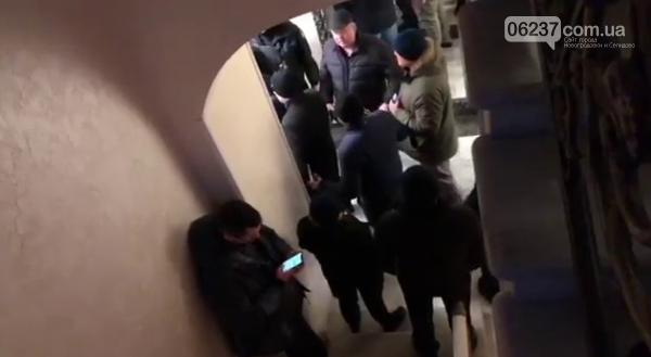 Офис кандидата Зеленскоко штурмовали силовики в центре Киева, фото-1