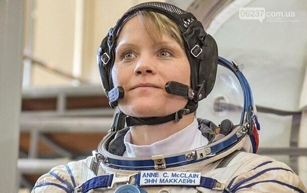 NASA готовит первый выход женщин в открытый космос, фото-1