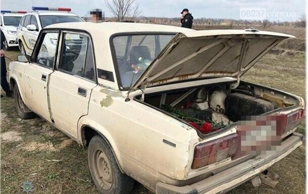 На кладбище Одессы шесть человек устроили стрельбу по могилам, фото-1