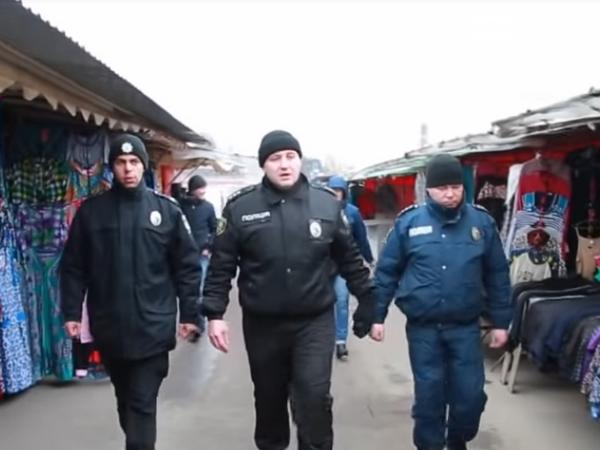 Почему о внезапных рейдах полиции в Покровске многие знают заранее, фото-1