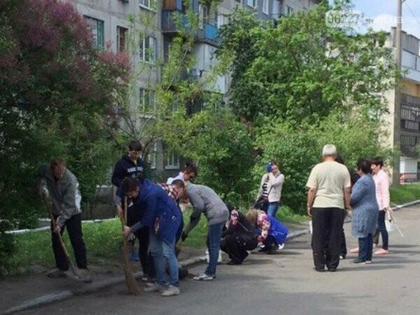В Селидово продолжаются весенние субботники, фото-1