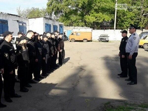 Усиленные наряды полиции проводят профилактическую отработку в Селидово, фото-1