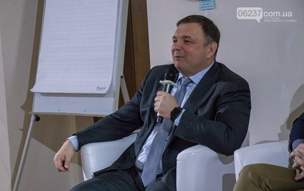 У Зеленского прокомментировали увольнение главы КС, фото-1