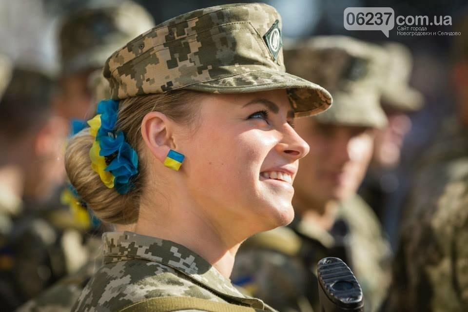 Показали армейские фото красавиц из Украины и НАТО, фото-1