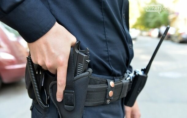 На Донбассе задержанный застрелился в отделении полиции, фото-1