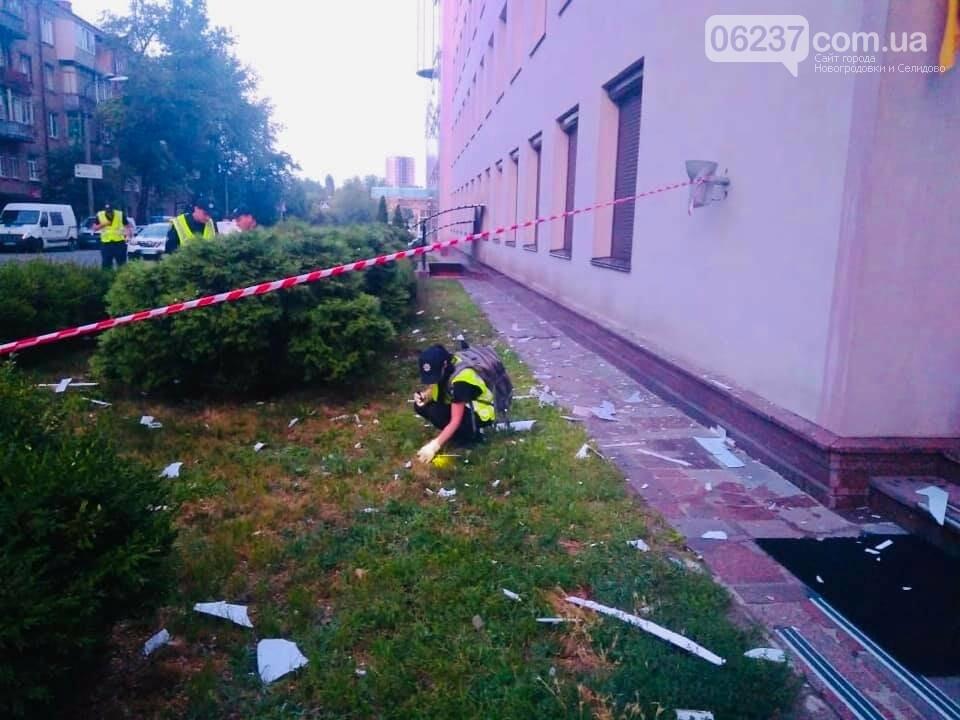 СРОЧНО! Здание телеканала «112 Украина» обстреляли из гранатомета, фото-6