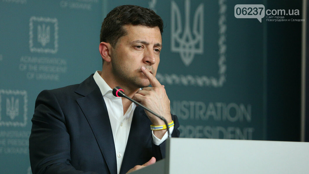Зеленского просят перенести Офис президента в поселок Золотое, где должно произойти разведение войск, фото-1