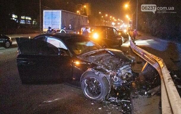 В Киеве cтолкнулись шесть авто, два водителя сбежали, фото-1