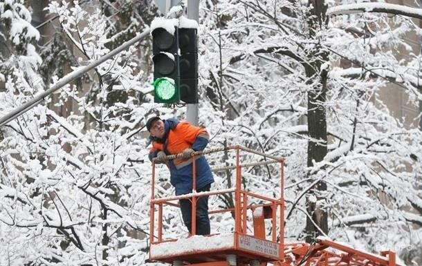 Сильный снег. Синоптики обещают приход холодов, фото-1