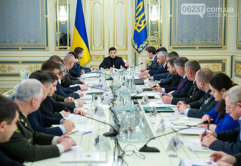 РНБО на секретному засіданні затвердила головний сценарій для Донбасу, фото-1