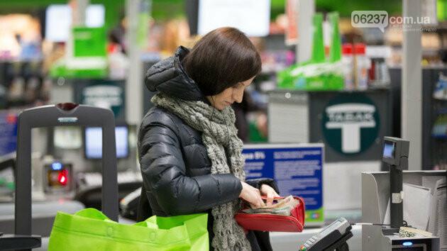У магазин за готівкою: отримати гроші з карти можна буде на касі, фото-1