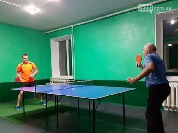 В Новогродовке депутаты и пограничники приняли участие в турнире по настольному теннису, фото-1