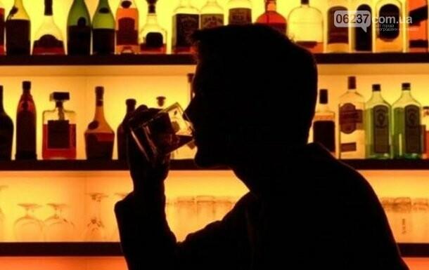 Названы два напитка, от которых пьянеют быстрее всего, фото-1