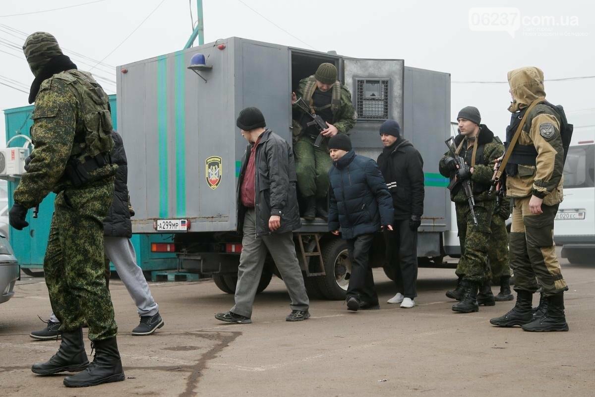 На Донбассе стартовал обмен пленными между Украиной и «ЛДНР», фото-1