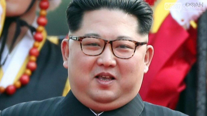 Ким Чен Ын угрожает миру «новым стратегическим оружием», фото-1
