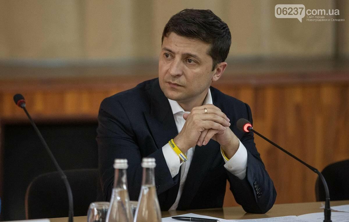Президент заявил, что МИД Украины готовит списки пассажиров разбившегося самолета, фото-1